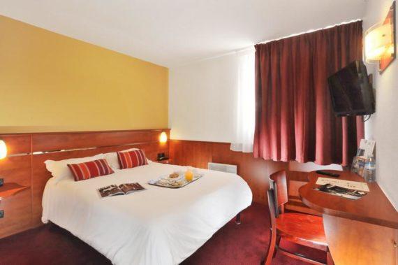 brit-hotel-le-villeneuve-1.jpg