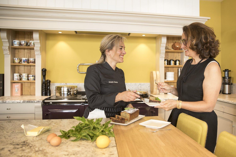 Alexandra Beauvais dans son ateliers cuisine