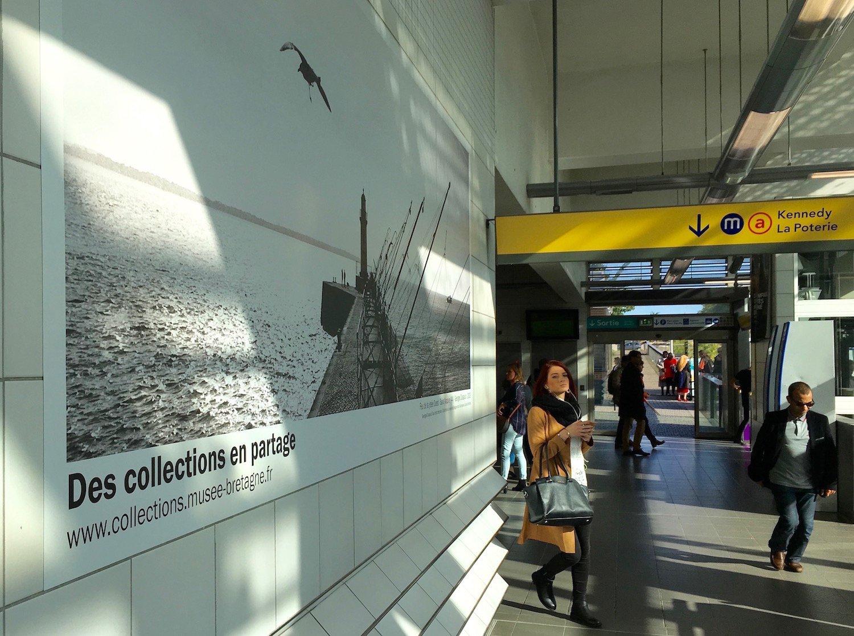 Affiche du musée de Bretagne dans le métro rennais
