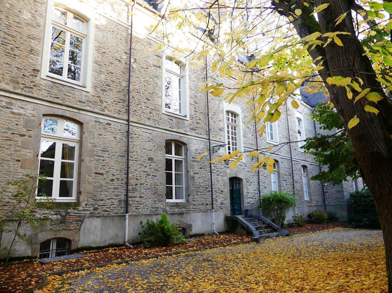 Cour de l'hôtel Marboeuf