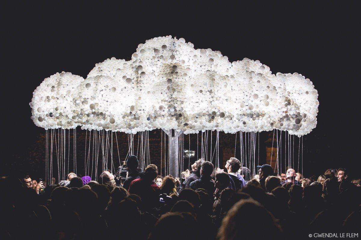 Cloud, installation - Festival Maintenant 2015