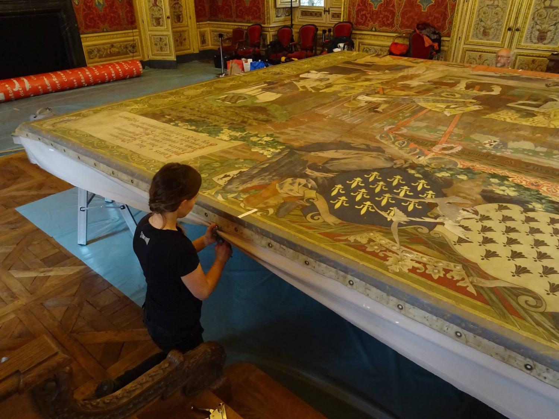 Restauration du carton de la tapisserie représentant le mariage d'Anne de Bretagne