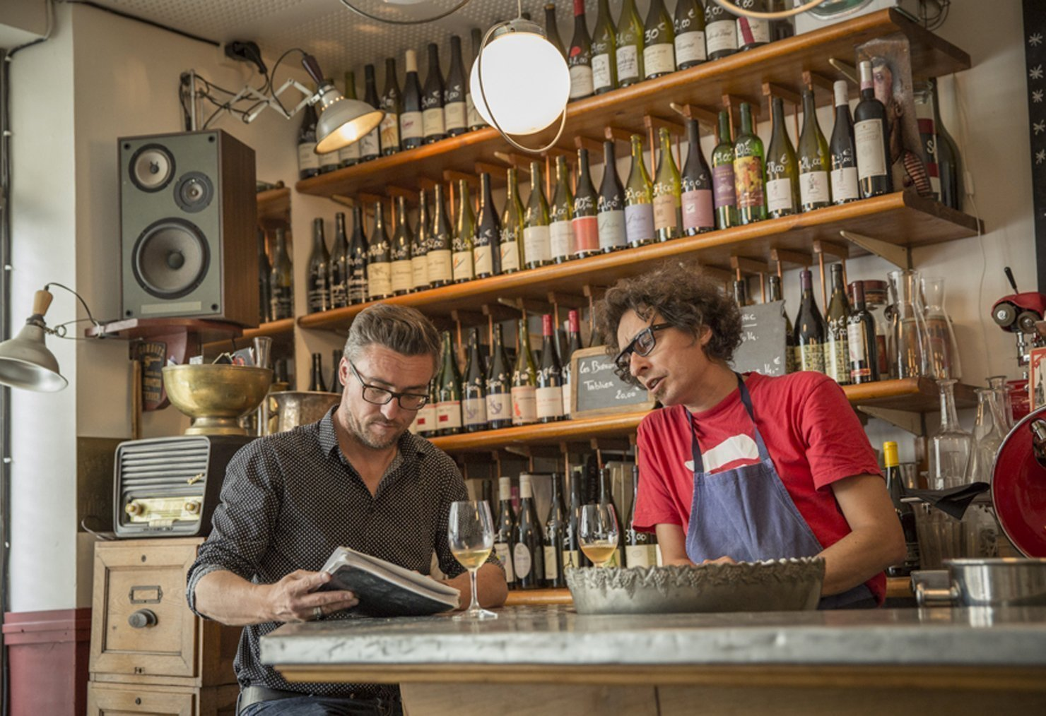 Olivier Marie, journaliste culinaire, en visite dans un bistrot Rennais
