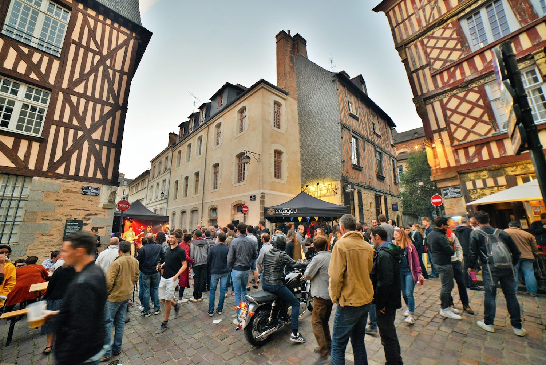 Ambiance dans les rues de Rennes