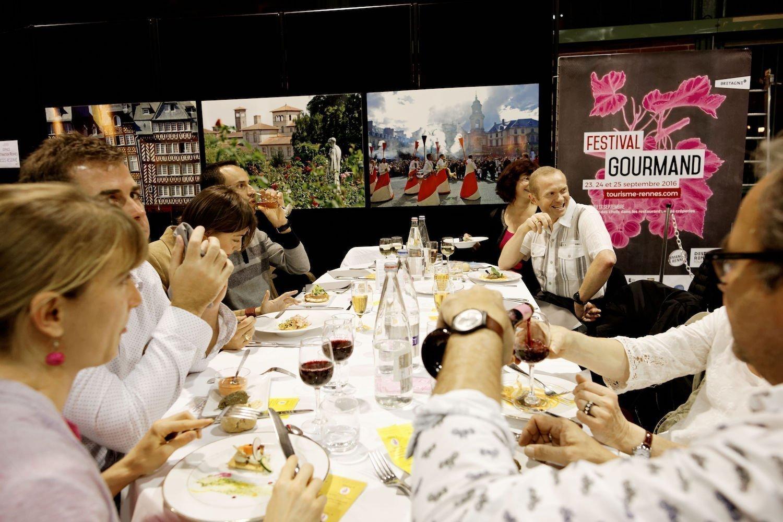 Le dîner des 500 à la Halle Martenot