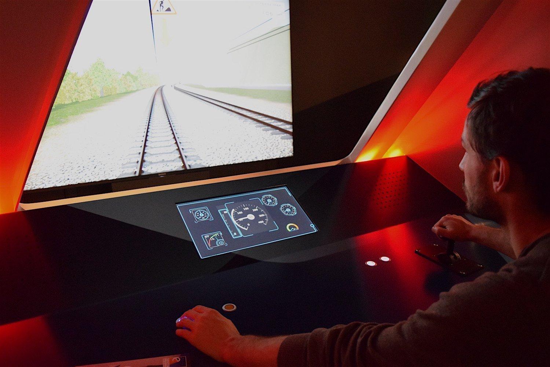Simulateur de pilotage de TGV à l'expo Grande Vitesse