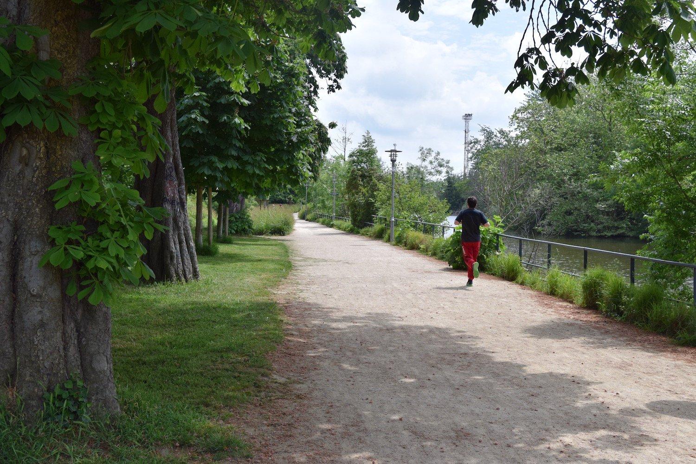 Faire du running sur la promenade des bonnets rouges