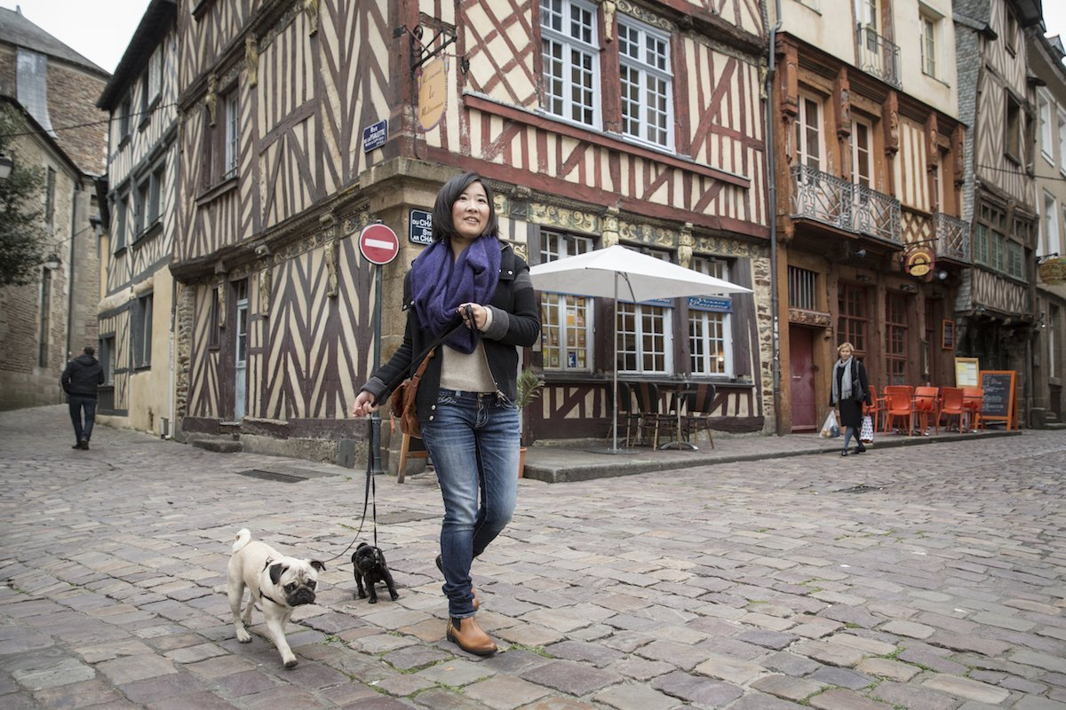 Tomoko Uemura in Rennes historic centre