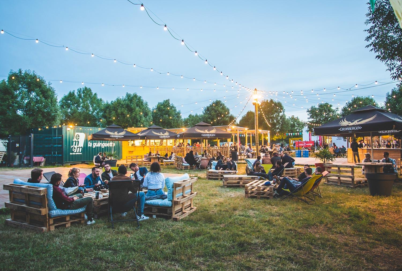 guinguette-restaurant-ouvert-avril-a-octobre-terrasse