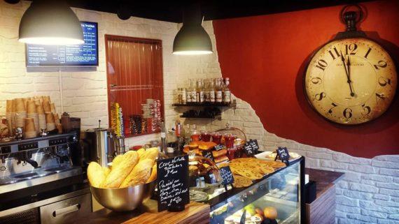 la-lichouille-rennes-sandwichs-bagel-salades-produits-frais-jus-fruits-frais