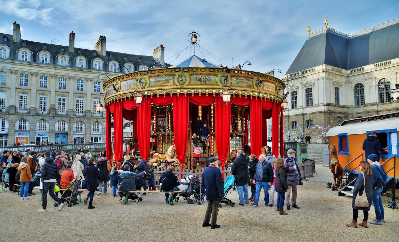 Le carrousel du Palais sur la Place du Parlement