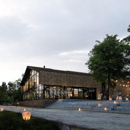 Le Bacchus - Café Théâtre - vue extérieure le long de la Vilaine