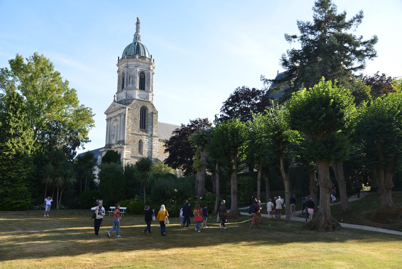 L'église Saint-Germaine vue depuis la Préfecture de Région