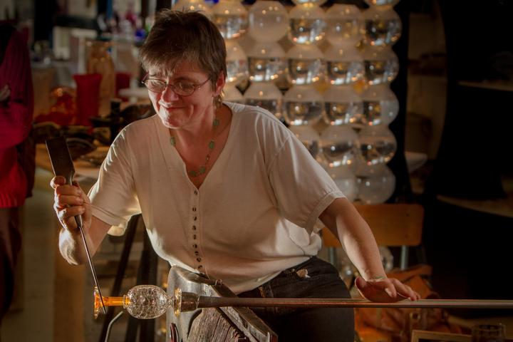 Visite de l'atelier du verre de Martine Gasselin