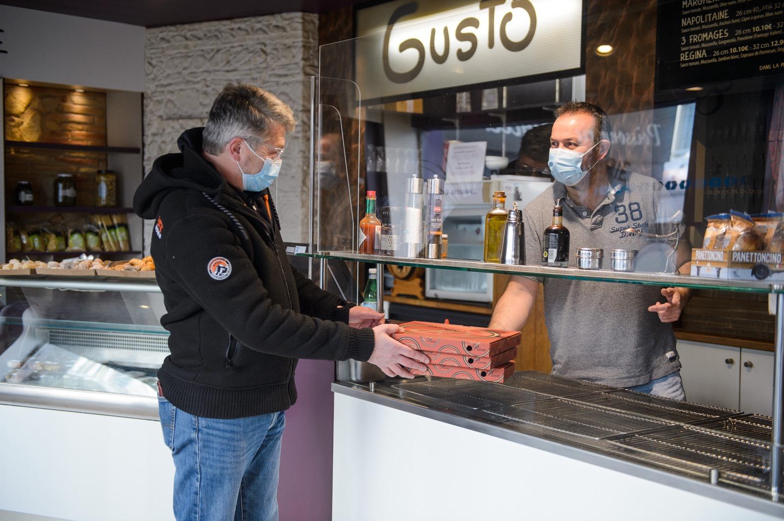 Vente à emporter dans un restaurant de Rennes