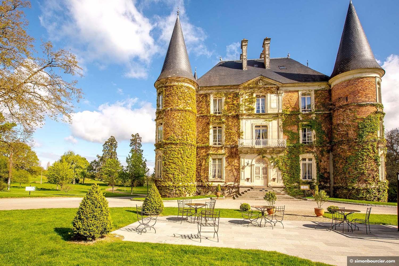 the Château d'Apigné