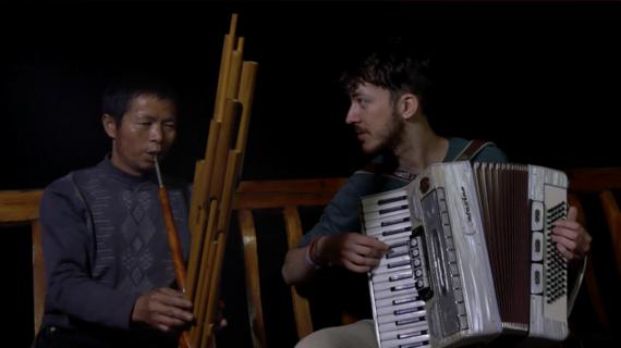 festival-le-grand-soufflet-voyage-en-accordeonistan-adrien-peguy