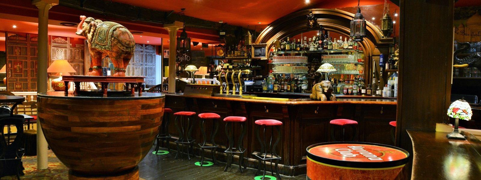 Le bar de nuit La Place