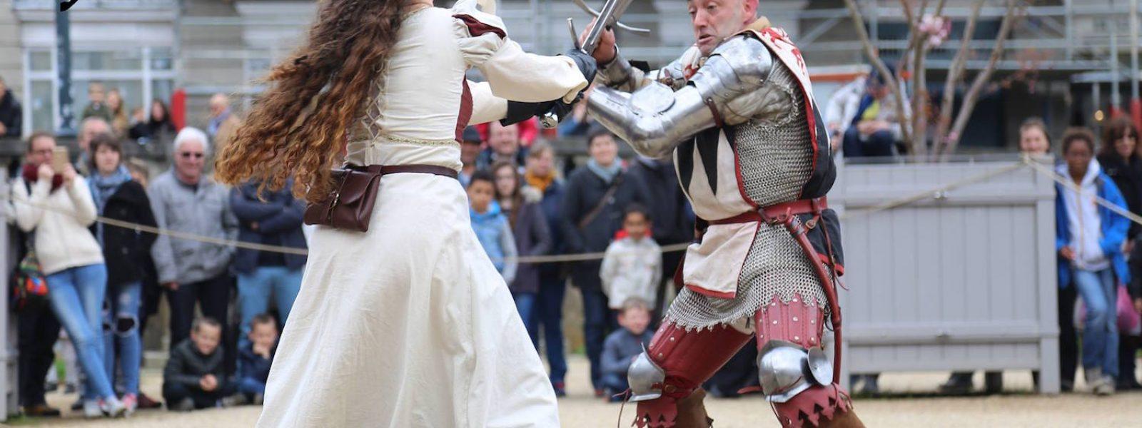 Happening médiéval dans les rues de Rennes