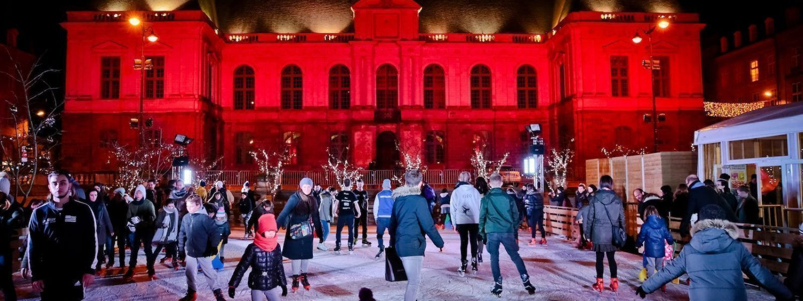 La patinoire de la Place du Parlement à Rennes