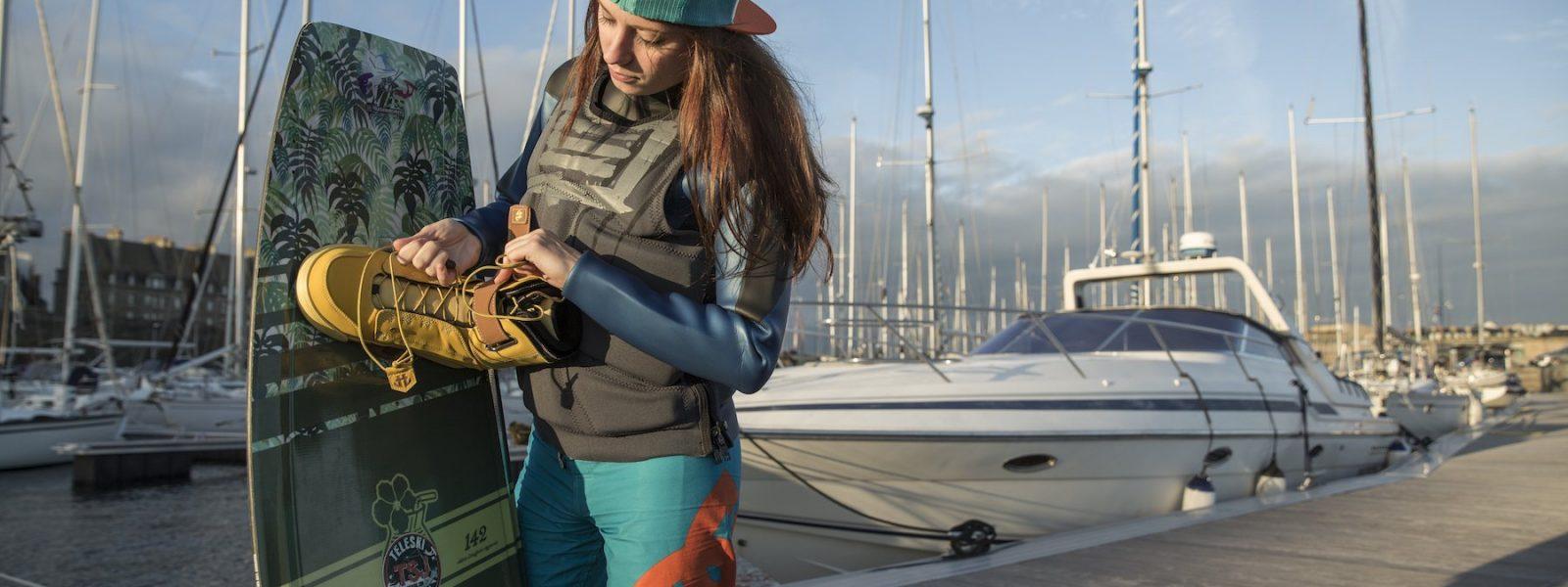 Ludivine Cardon est une étudiante à Rennes, elle profite de son temps libre pour surfer sur la côte le week-end